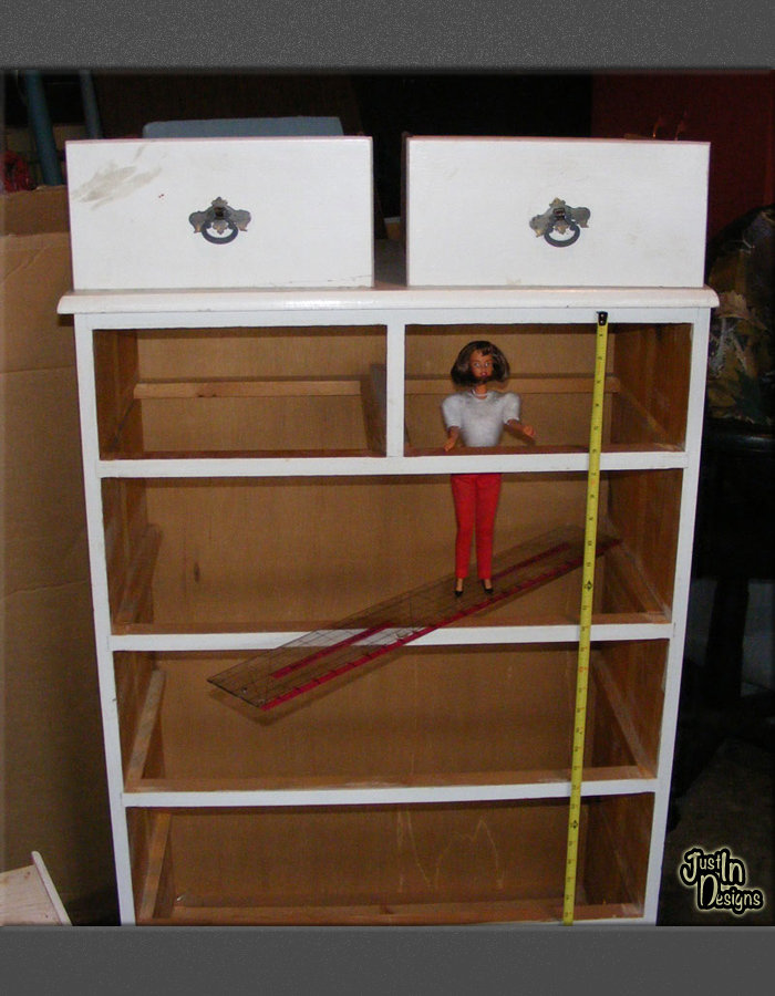 Building a Barbie Doll House With a Recycled Dresser from Just'In